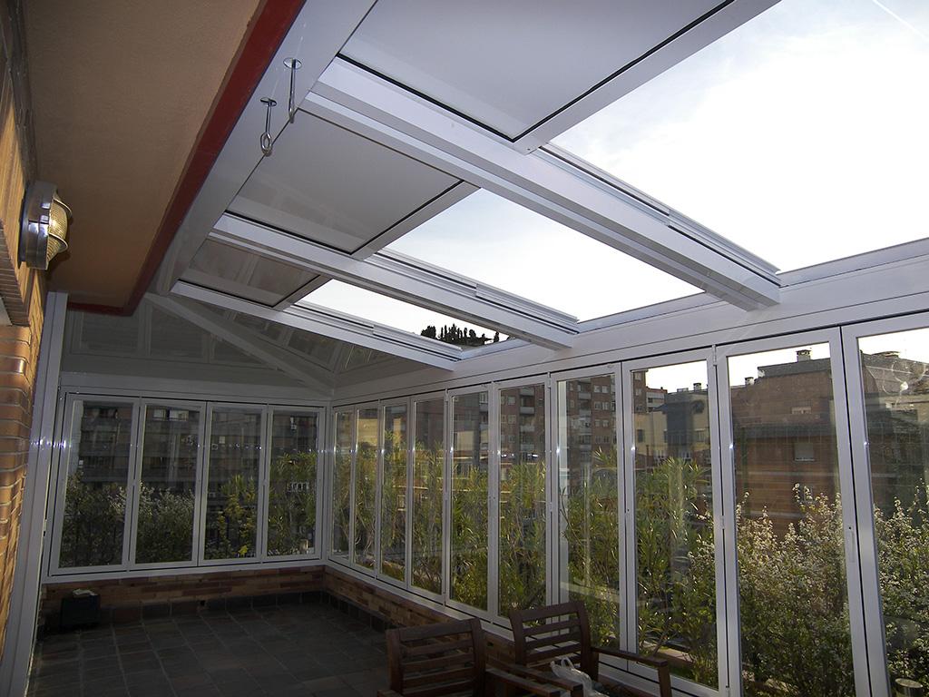 Terraza con techo m vil en valencia imi - Cerrar terraza atico ...
