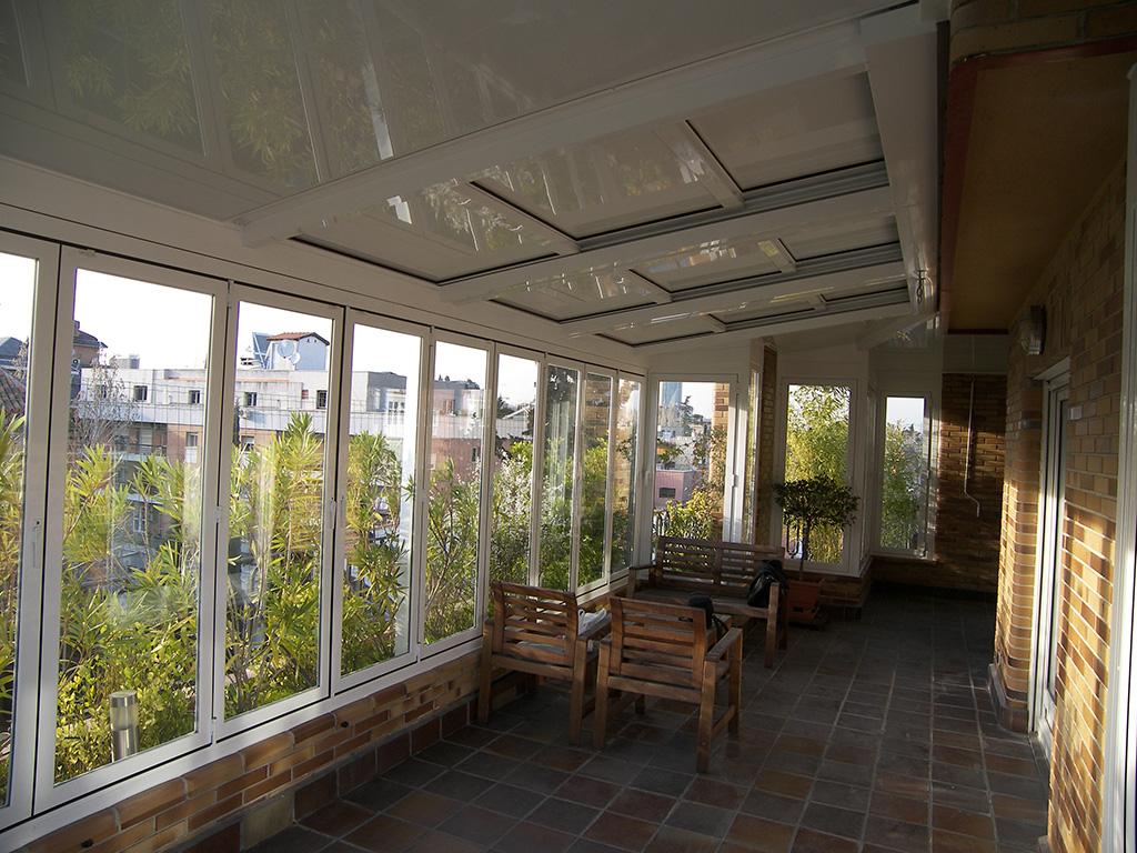 Terraza con techo m vil en valencia imi - Estructuras de aluminio para terrazas ...