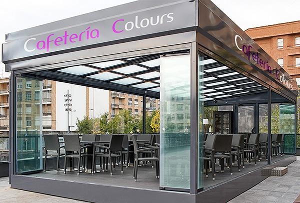 Terraza cafetria Colours en Arnedo